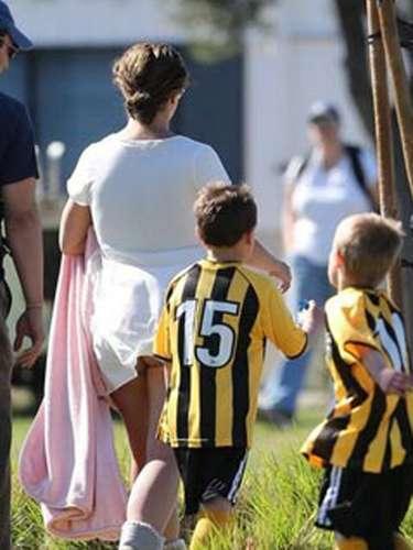 Britney Spears pasó por esto cuando salió de paseo con sus hijos. La cantante pop acompañó a sus pequeños a un partido de futbol y ¡zaz!