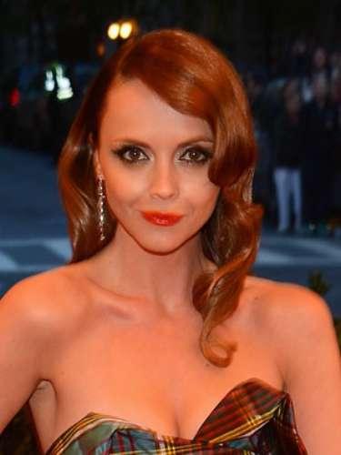 También Christina Ricci de apuntó a esta tendencia que potencializa la mirada y es un acierto favorecedor para todo tipo de rostro