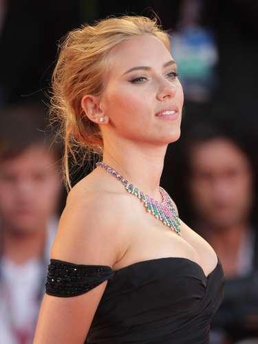 Discreta, sutil y exquisita, así es Scarlett Johansson quien gracias a este efecto agrandó su mirada y le dio un look que causó furor sobre la alfombra roja.