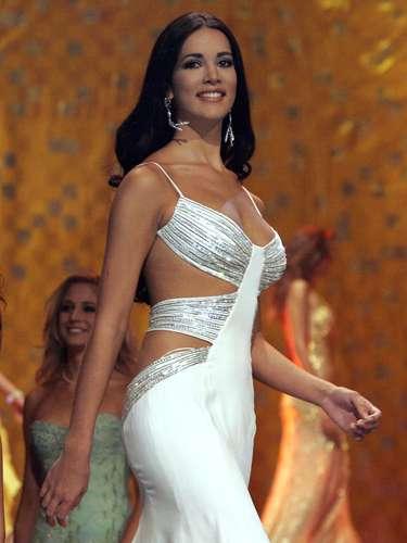 Mónica Spear.- La estrella ganó el concurso de belleza Miss Venezuela en 2004 y al año siguiente participó en el Miss Universo en Bangkok, donde fue cuarta finalista. Tras ello se hizo actriz de telenovelas, apareciendo en \