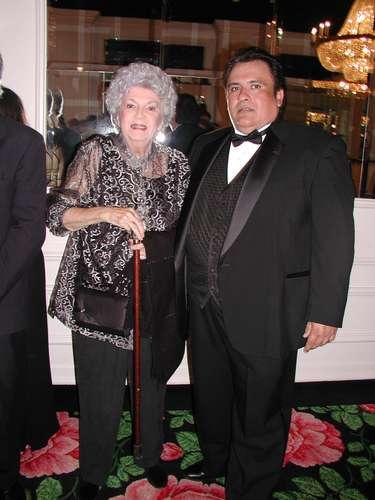 Carmen Zapata.- La estrella comenzó su carrera en 1945 en el musical de Broadway \