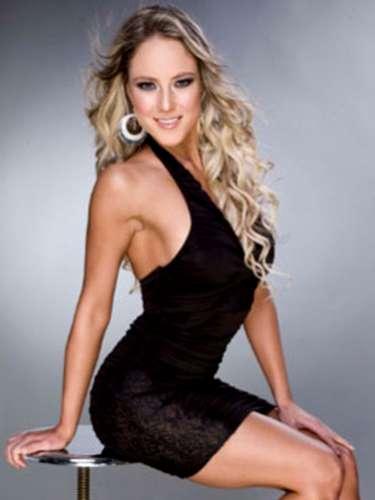 Luego de ingresar a la farándula a través de Nuestra Belleza México, Vanessa Huppenkothen se integró al equipo de diversas producciones televisivas.