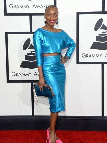 La cantanteValisia Lekae llegó muy 'colorida' a los Grammy