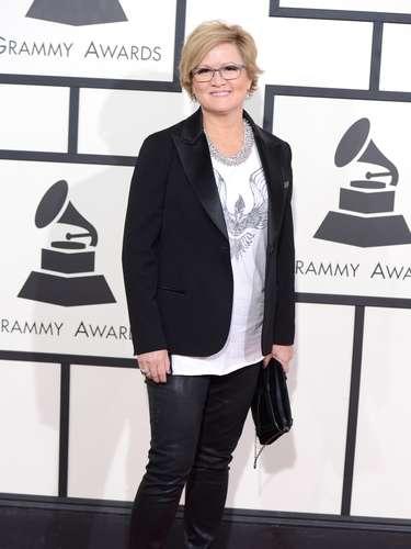 Connie Harrington no alcanzó a ponerse su traje perfecto para desfilar por la alfombra roja de Los Grammy 2014. Este look es digno de salir a pasear un día normal, pero jamás para asistir a una gala de premiación.