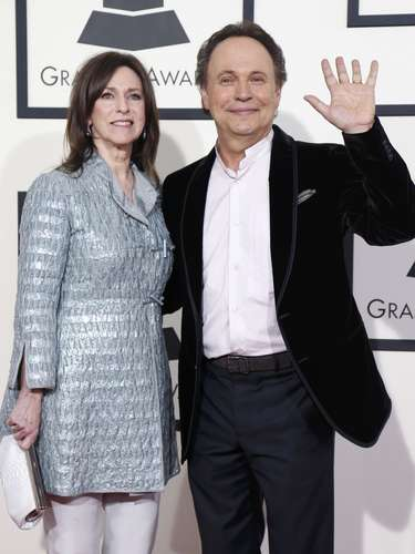 Billy Crystal y su esposaJanice Crystal llegaron a los premios. ¿Será que el actor y comediante participará en la ceremonia?