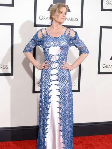 Ni la Cenicienta, en sus peores momentos, se hubiera puesto este vestido. En esta oportunidad es un no para Tierney Sutton.