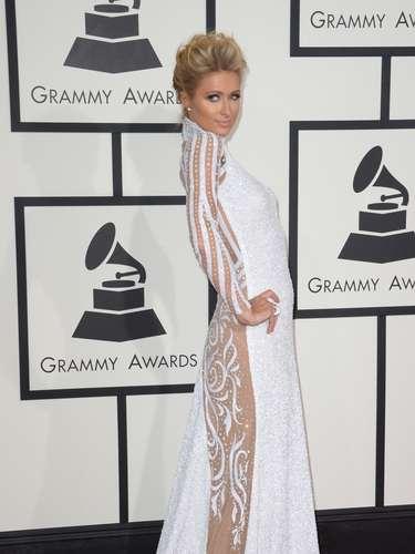 Paris Hilton llamó la atención a su paso debido a que se veía como un verdadero ángel. ¡Hermosa!