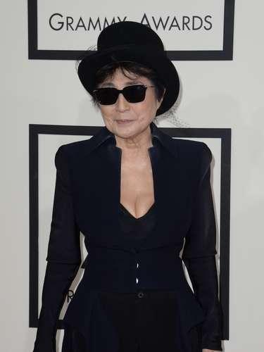 Yoko Ono no podía perderse la premiación si es que estaban dos de las leyendas de los Beatles invitados.