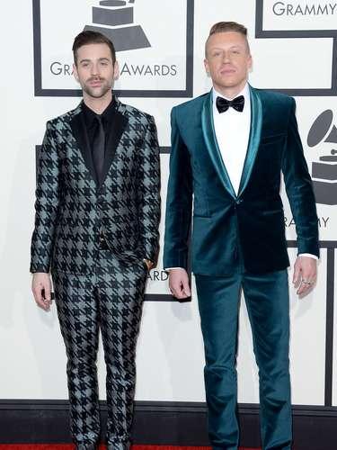 Ryan Lewis yMacklemore sencillos como siempre, asistieron a la entrega 56 de los Grammy