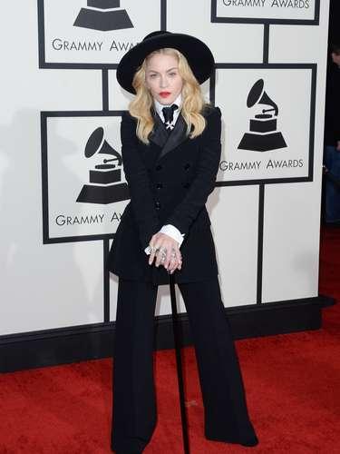 Madonna esta vez decidió no mostrar nada y se vistió de negro muy al estilo Charles Chaplin.