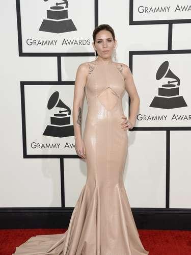 Skylar Grey se envolvió en un traje nude de cuero y de corte tipo sirena.