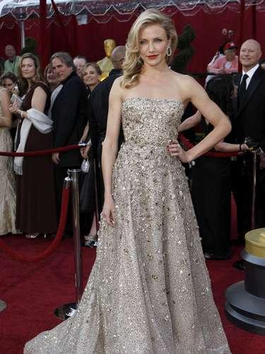 Cameron Díaz nunca se ha visto mejor que en este deslumbrante vestido nude de Óscar de la Renta en 2010.
