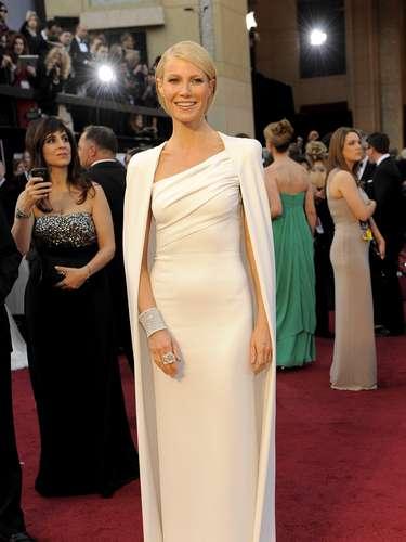 En 2012, Paltrow mostró la evolución de su estiloal vestir este modelo firmado por Tom Ford en 2012, cuando dominó las listas de mejor vestidas de esa edición.