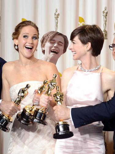 La gala de los Oscar de este año han sido como gasolina para la imaginación de los cibernautas, que no han tardado en elaborar los más divertidos memes. Leonardo DiCaprio, Jared Leto y la selfie de Ellen DeGeneres fueron algunas de las víctimas.