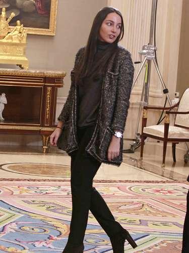 Alejandra Romero, hija de Mariam Suárez, acudió a una audiencia el pasado 3 de marzo con la Asociación para la defensa de la Transición. En la imagen, con el príncipe Felipe, con quien se mostró muy cómplice.