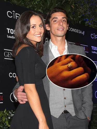 Los actores Zuria Vega y Alberto Guerra se comprometieron en matrimonio después de meses de relación. Ambos histriones compartieron la noticia con sus fans y dicen estar muy emocionados pero sobre todo, enamorados.
