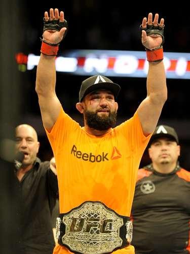 Johny Hendricks, campeón peso welter.