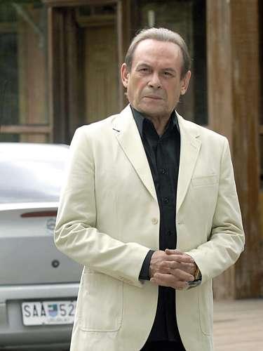 José Wilker fallecióeste sábado a la mañana, víctima de un infarto fulminante, en su casa de Río de Janeiro.En esta foto, el actor en'Insensato Coração'