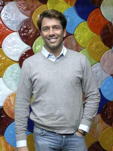 El actor uruguayo Federico Díaz, ex esposo de Lis Vega y rumoreada pareja de Ricky Martin, salió del closet vía Twitter diciendo: \