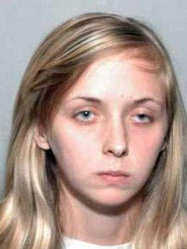 En el 2010, Alezandra Tobías, de 22 años de edad mató a su hijo de tres meses, luego de que el pequeño comenzara a llorar y ella tuviera que interrumpir su juego de Farmville. Aparentemente, la joven madre sacudió a su bebé hasta matarlo.