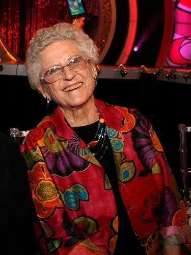 Ann. B. Davis.- La actriz que dio vida a la empleada doméstica Alice en la famosa serie de televisión\