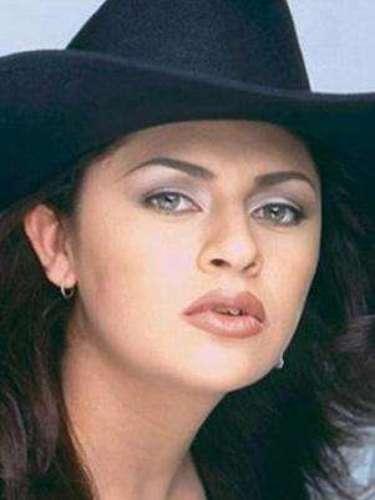 Zayda Peña murió el 1 de diciembre de 2007 tras ser impactada por una bala que le entró por la espalda y le salió por la barbilla. La intérprete del éxito \