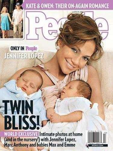 Emme y Max, como se los conoce,  nacieron el 22 de Febrero del 2008. Su primera aparición pública fue  en la portada de la revista People y por esa foto exclusiva Jennifer López cobró seis millones de dólares.