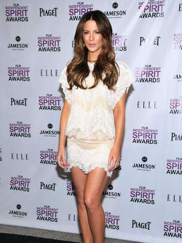 KATE BECKINSALE. TALLA: 9.5