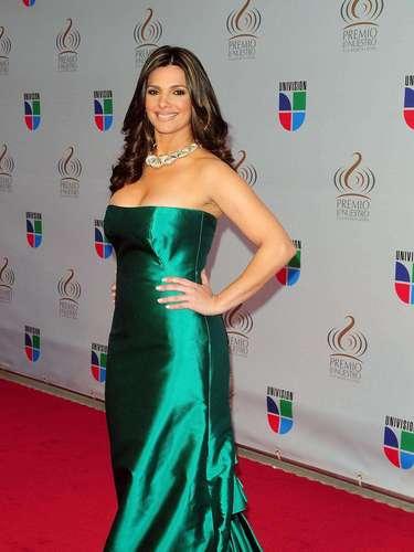 Bárbara Bermudo - Se vienen los Premios Lo Nuestro A La Música Latina y para ir calentando el ambiente te traemos los escotes más llamativos  y sensuales que han llevado las espectaculares féminas a través de los años en su paso por la alfombra roja en la gran fiesta de la música latina.