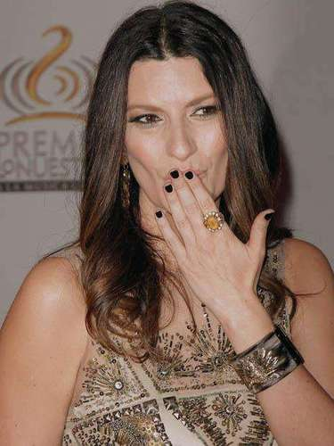 Italian singer Laura Pausini was definitely one of the sexiest ladies of the night.