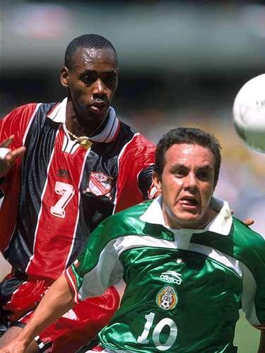 Cuauhtémoc Blanco sufrió una severa lesión en la rodilla, por una dura entrada de Ancil Elcok de Trinidad y Tobago, en un juego eliminatorio rumbo al Mundial de Corea-Japón 2002. Blanco estuvo ocho meses sin jugar.