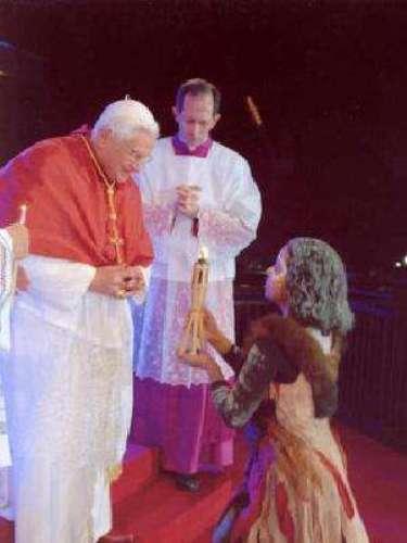 Australia, del 17 al 20 de julio de 2008. Esta visita se desarrolló con ocasión de la Jornada Mundial de la Juventud. Sin embargo, el Papa llegó a Australia desde el día 12, para pasar una temporada de descanso.