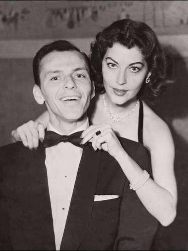 Ava Gardner y Frank Sinatra. Frank se divorció de su esposa Nancy cuando empezó una relación con Ava Gardner. Seis años después, Frank y Ava terminaron su matrimonio.