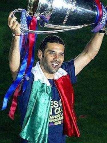 Con Rafa Márquez en el campo, Barcelona conquistó la Champions del 2006, venciendo en la final al Arsenal, un gol de Belleti cerca del final le devolvió la gloria tras 14 años de sequía europea