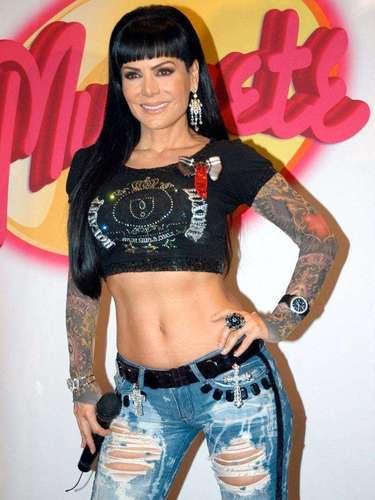 La famosa costarricense ha grabado cinco discos en diversos géneros y cantado en palenques y diversos teatros de México
