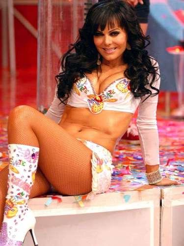 Televisa le ofreció una beca en el CEA para que estudiara actuación.