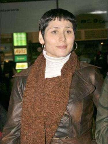 Rosa López en enero de 2007 se cortó un miniflequillo. Uno de los 'looks' menos favorecedores de la cantante