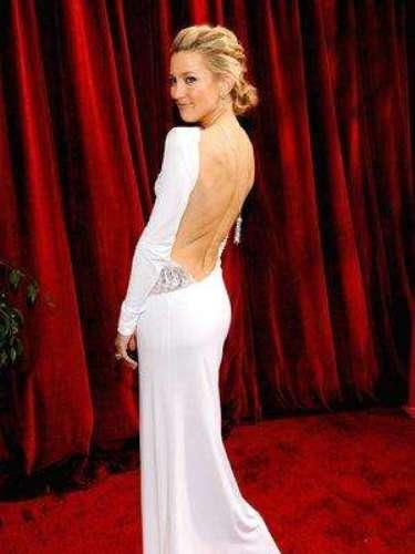 Kate Hudson no se olvida de que mostrar sus atributos es una de sus prioridades.