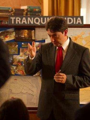 """""""Así es, señores periodistas, así ustedes no lo crean, es verdad. Dentro de los Honorables Representantes a la Cámara se encuentra un narcotraficante, un hombre que se lucra haciéndole daño al país entero... Y ese hombre es Pablo Emilio Escobar Gaviria"""". Rodrigo Lara, Ministro de Justicia, asesinado por Pablo Escobar."""