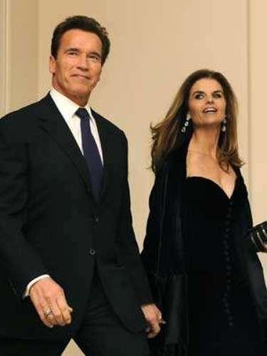Luego de 25 años de matrimonio con Maria Shriver, el actor Arnold Schwarzenegger confesó haber tenido un hijo extramatrimonial de 10 años con la empleada doméstica de la casa. El ex político tuvo que pasar una millonaria suma de dinero a su ex mujer tras el divorcio.