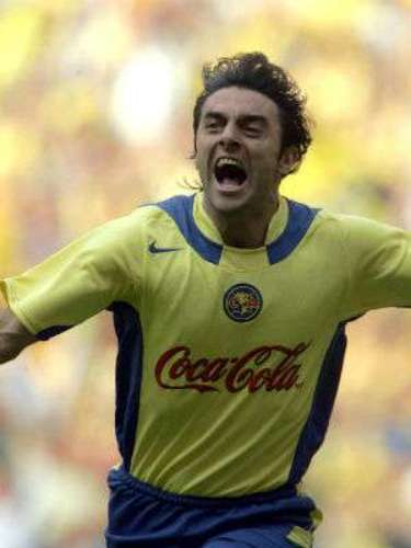 América has always brought in big-name transfers and one of them was Claudio Lopez, who arrived in 2004. Piojo, as he was known, showed his quality after a slow start and helped the team win its last title in 2005.