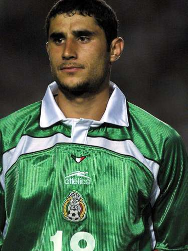 Salvador Carmona (Soccer-México): During the 2005 FIFA Confederations Cup, Carmona was far from the Mexican camp (along with teammate Aaron Galindo) after a match against Brazil for no apparent reason. Later, it was discovered that both players were kept apart from the team because they had tested positive for norandrosterone. Both players were suspended for a year, and finally, the CAS ruled against Carmona, giving him a lifetime ban.
