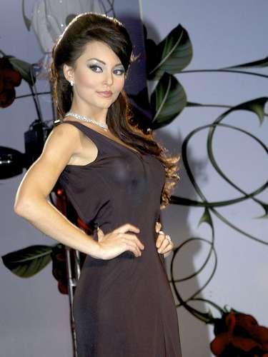 Su interpretación como la ambiciosa 'Teresa' le permitió a Angelique Boyer ganar el premio TV y Novelas como Mejor Actriz Protagónica en el 2011.