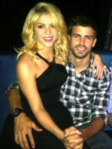 La revista española Intervieu reportóque un agente de talentos de Barcelona ofreció la venta del polémico video sexual de Shakira y Piqué. Según la revista, el agente de talento afirma: \