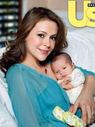 Alyssa Milano le dio la bienvenida a su hijo Milo en Agosto del 2011
