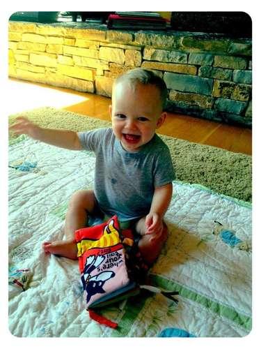 Fascinada con su niño está la cantante Hilary Duff con su hijo Luka. La también actriz sube imágenes del precioso bebé todo el tiempo a su red social. ¡Bellísimo!