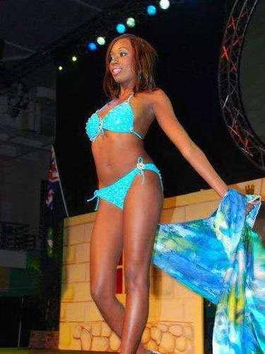 Miss Islas Vírgenes Británicas - Abigail Hyndman. Tiene 21 años, cabello castaño y ojos color marrón. Mide 1.75 metros de estatura.