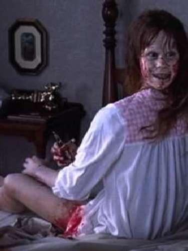 Regan McNeil. La impresionante actuación de Linda Blair como la niña poseída en la película 'El Exorcista', le valió varios reconocimientos por parte de la crítica. 'Regan' era una niña de 12 años normal y corriente, que llegó a ser la víctima de una posesión diabólica. Este personaje dejó escenas memorables en el cine como girar su cabeza 180 grados de forma inhumana o vomitar al sacerdote que le practica el exorcismo.