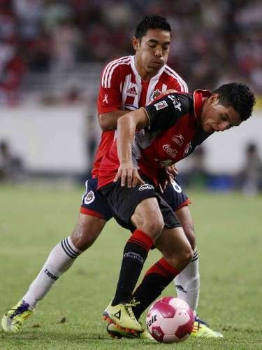 En el torneo Apertura 2011, Chivas se fue arriba en el marcador con gol de Erick Torres al minuto 54, pero Lucas Ayala anotó el gol del empate al 78.