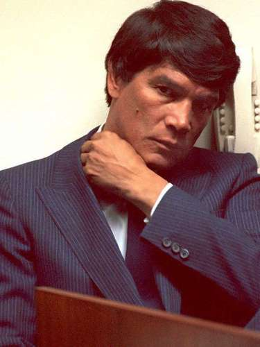 Argentine boxer and former world middleweight champion Carlos Monzon had a host of run-ins with the law, from charges of beating his concubine and the paparazzi to murder, when he was convicted of killing Uruguyan model and lover Alicia Muniz in 1989. Monzon was sentenced to 11 years for homicide, but he was killed in a car crash while on furlough in January 1995.